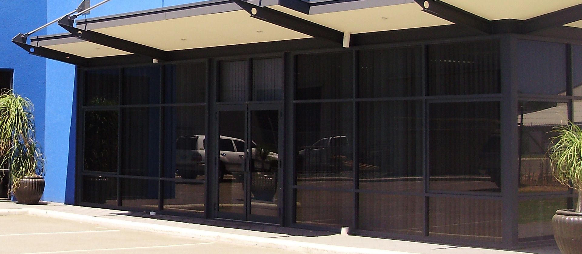 Reduce glare at your office with solar window tinting